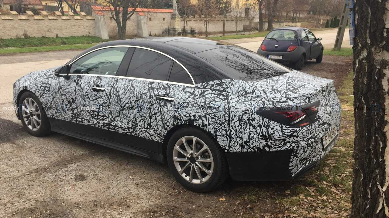 Flagra: Mercedes CLA 2020
