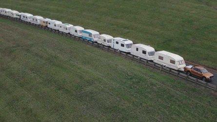Le Ford Ranger tracte 20 caravanes pour montrer sa force