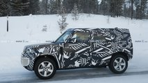 2020 Land Rover Defender spy photo