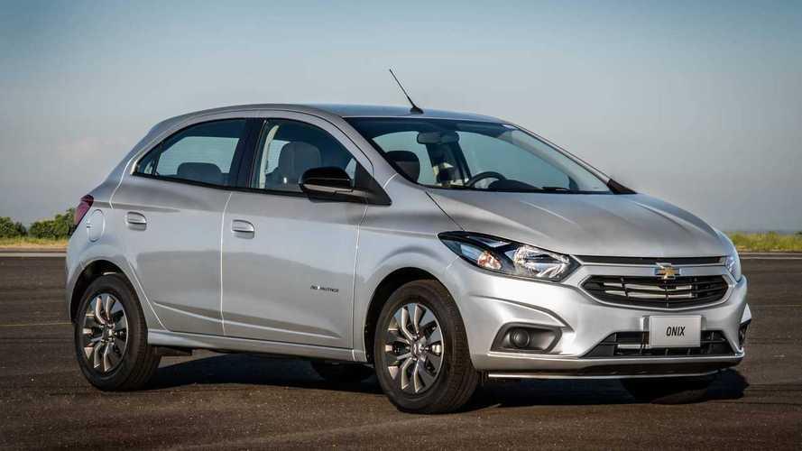 Chevrolet anuncia Onix, Prisma e Tracker com condições especiais