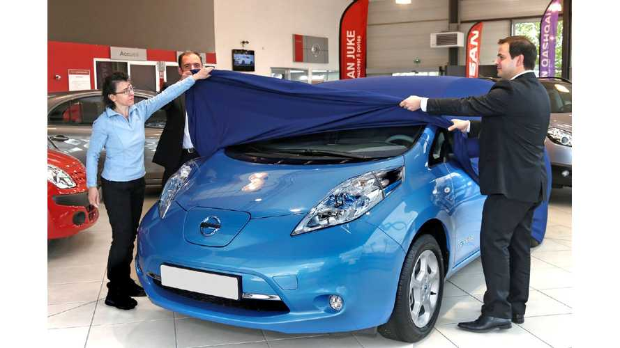 Nissan Delivers LEAF Number 10,000 in Europe