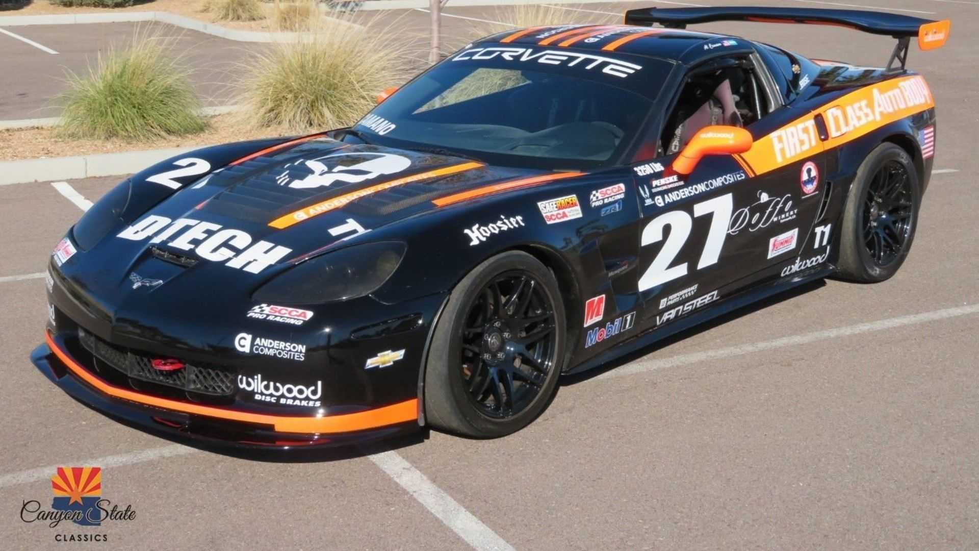 "[""2005 Chevrolet Corvette GT2 Race car""]"