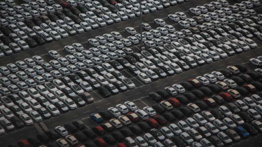 Incentivi auto, industria e filiera criticano il Governo