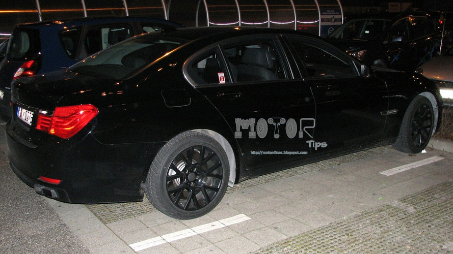 First BMW M7 Spy Photos?