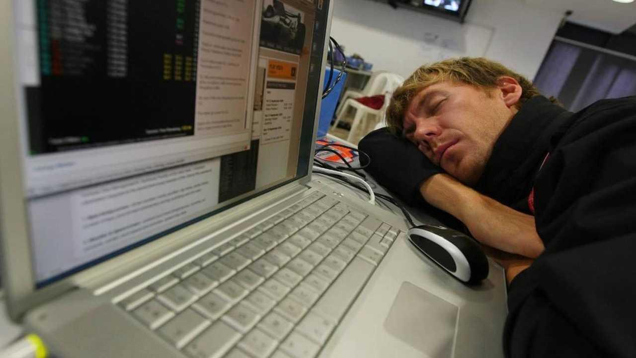 Tired Belgian photographer in the press room - Formula 1 World Championship, Rd 14, Italian Grand Prix, 13.09.2008 Monza, Italy