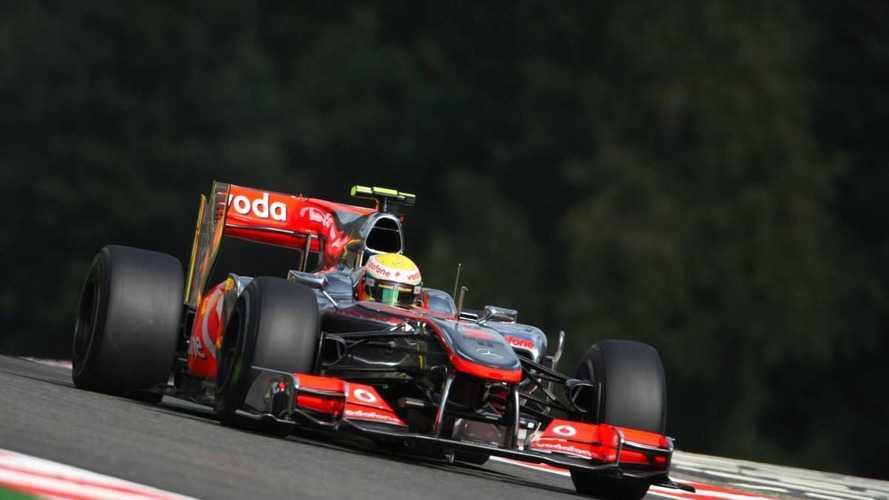 McLaren modifies floor for Monza flex tests