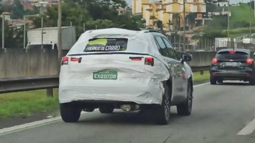 Flagra: Toyota Corolla Cross 2022 (BR)