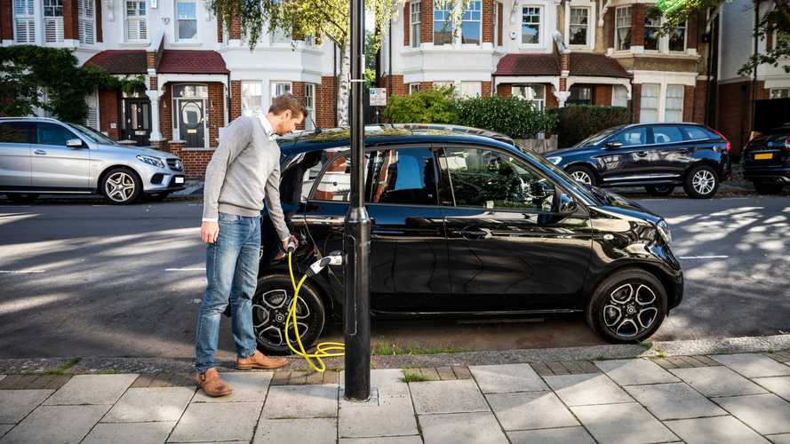 Electric cars save drivers £900 in tax during the first year alone