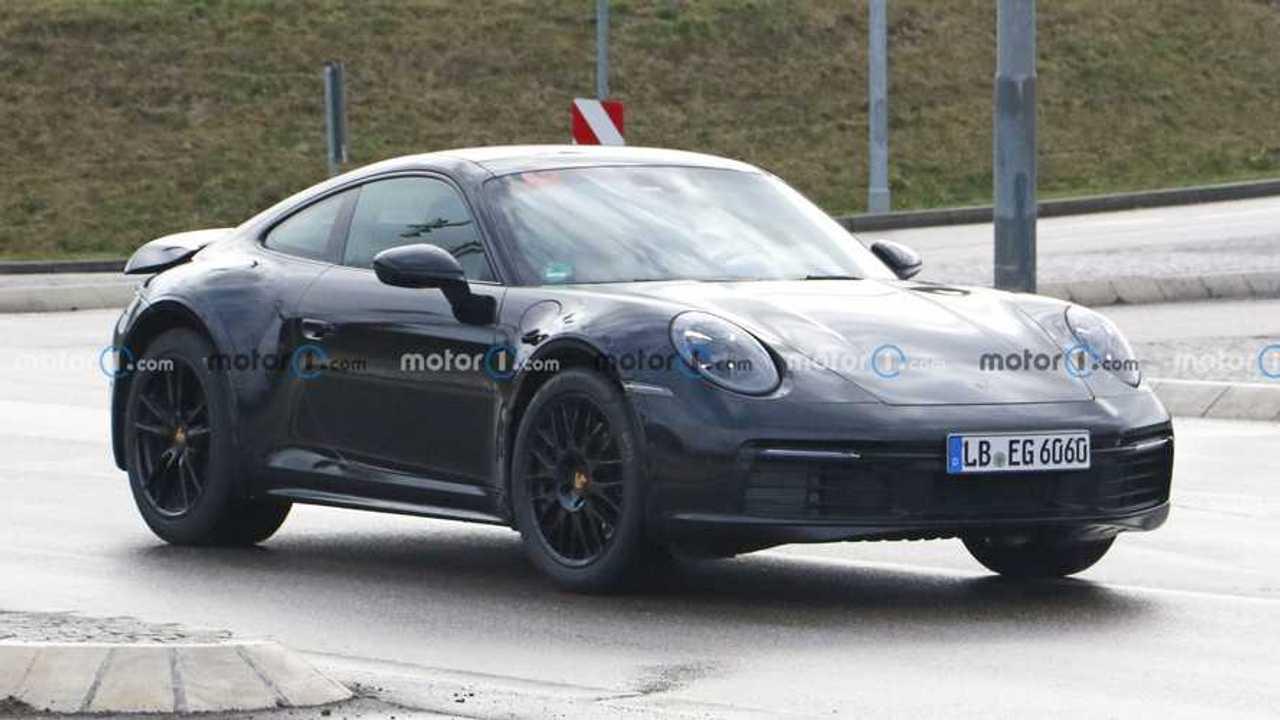 2022 Porsche 911 Safari spia foto