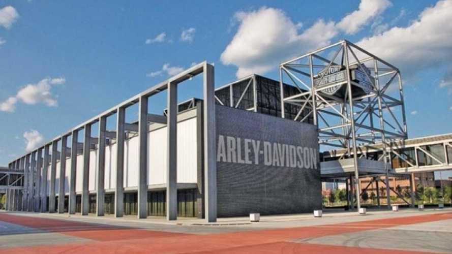 Harley-Davidson: cancelli chiusi per Trump in fabbrica