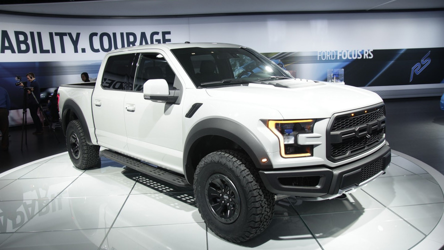 2017 Ford F-150 Raptor SuperCrew looks lean and mean in Detroit