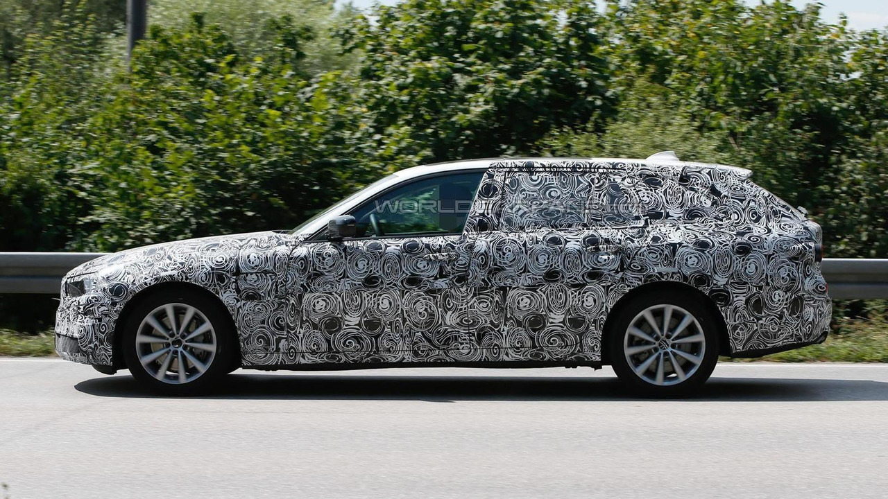 2017 Bmw 5 Series Touring Plug In Hybrid Spy Photo