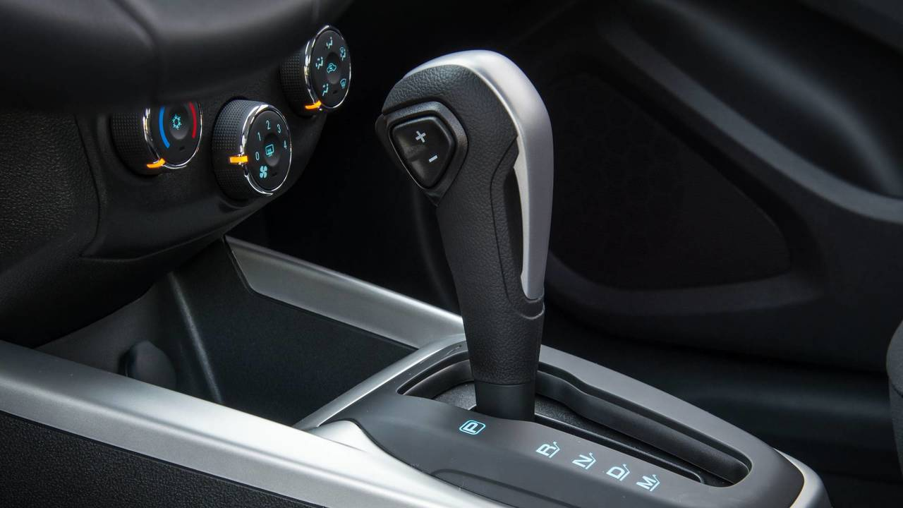 Chevrolet Onix Advantage Automático