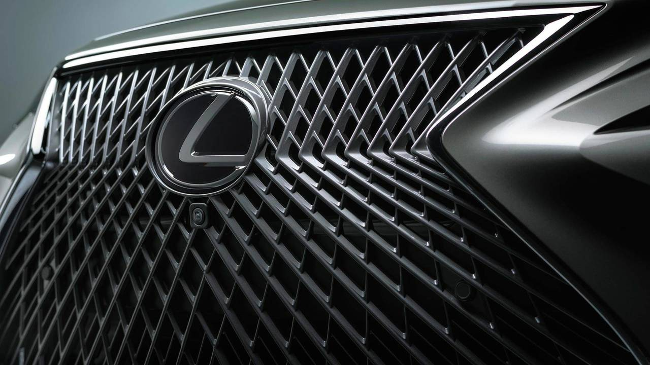Lexus LS Grille Creation