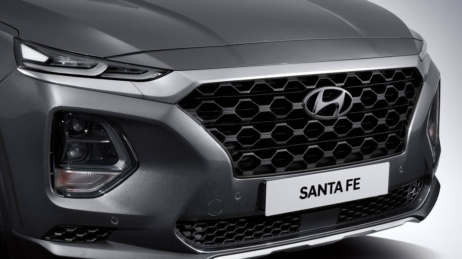 Hyundai Brings New Santa Fe, Refreshed Tucson, Electric Kona