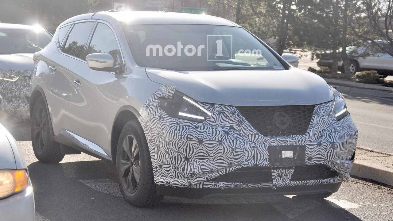 Refreshed Nissan Murano Spied With New Headlights Shining