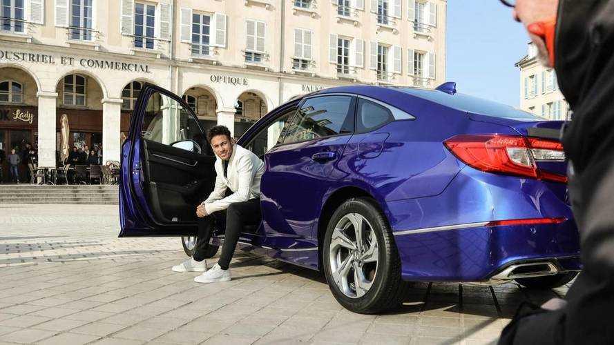 Honda recrute Neymar pour une pub tournée à Paris