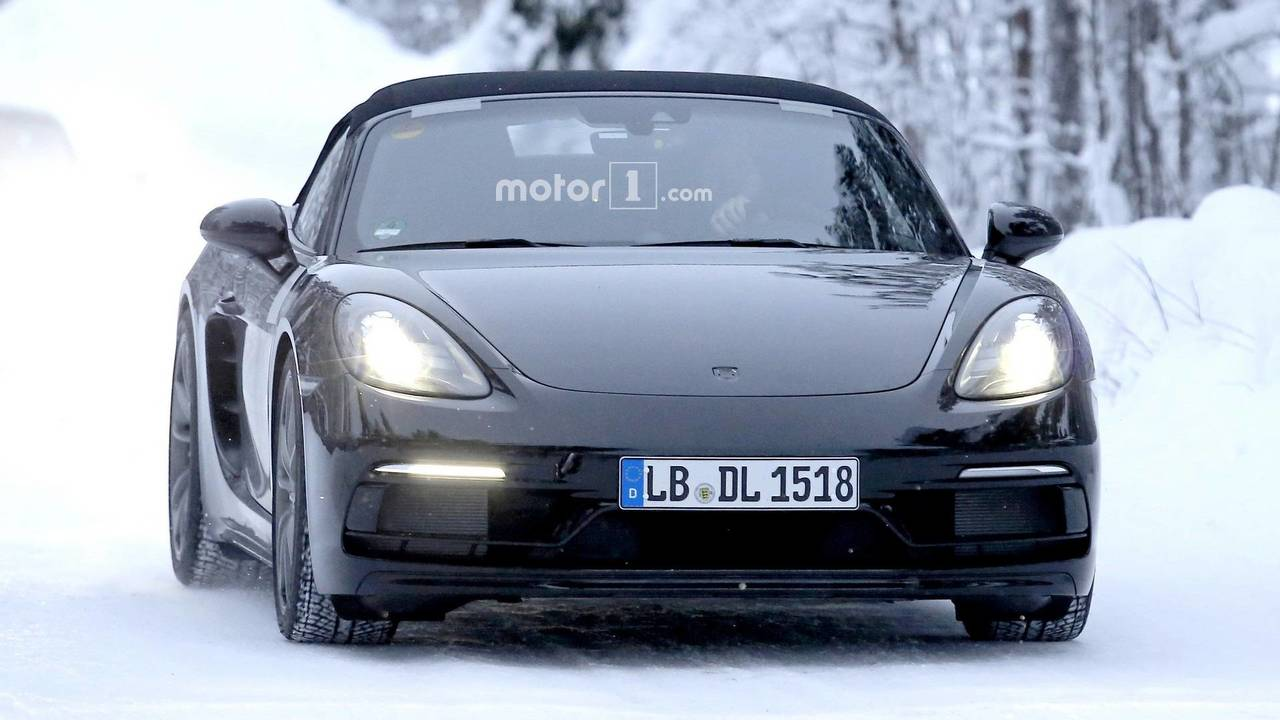Porsche Boxster Spyder spy photo