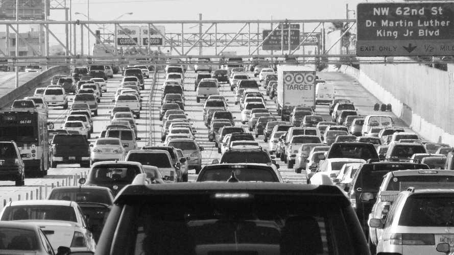 Emissioni auto, Trump alleggerisce i limiti imposti da Obama