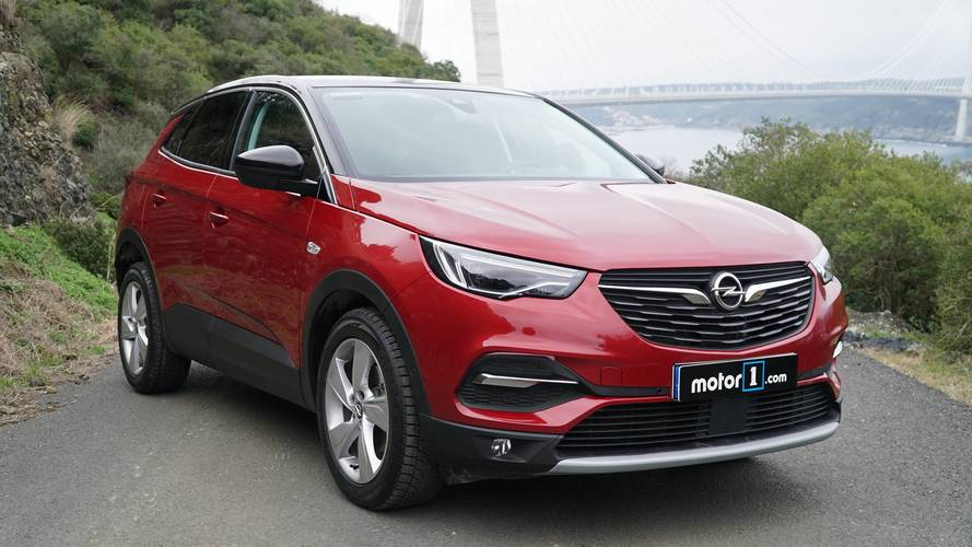 Opel Grandland X, 1.6 litrelik turbo benzinli motoruna kavuşuyor