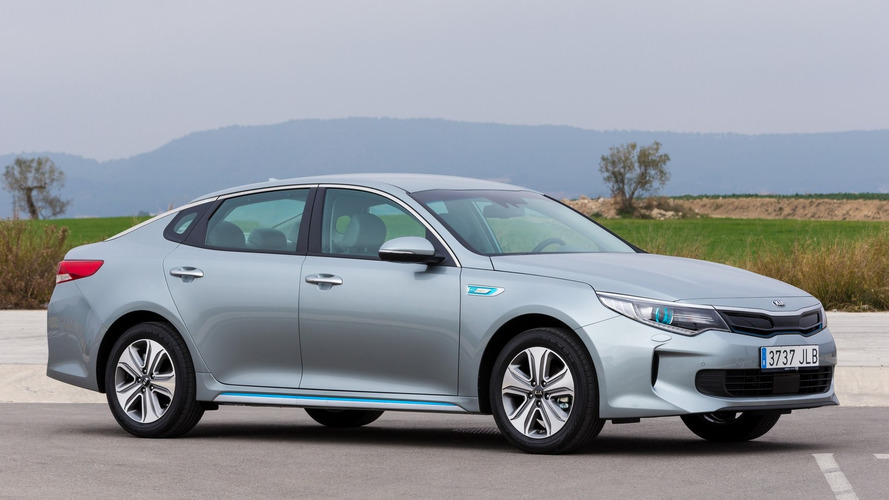 Euro-spec Kia Optima Plug-in Hybrid bound for Geneva