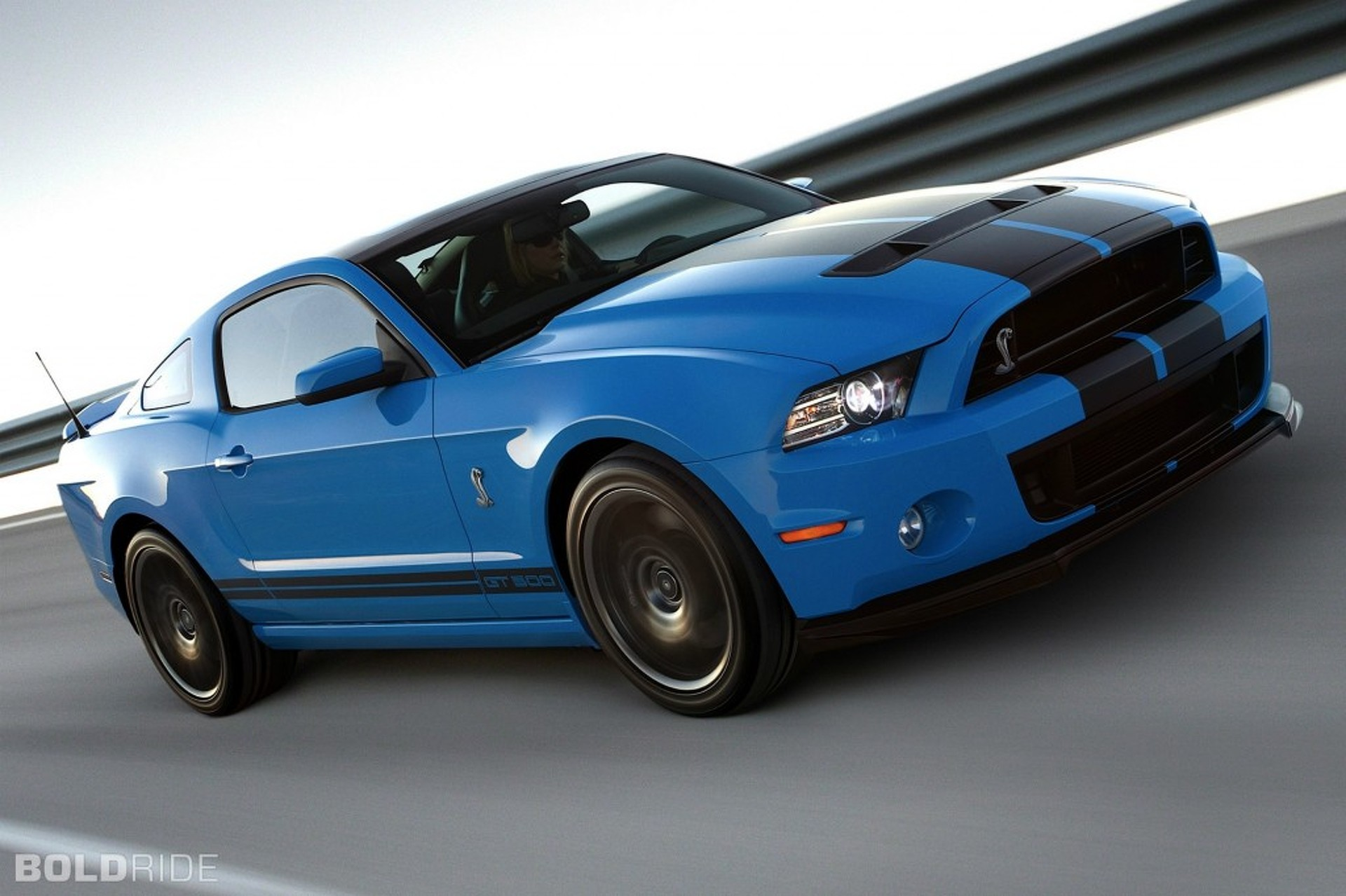 Tech ride 2013 shelby gt500 the ultimate pony car