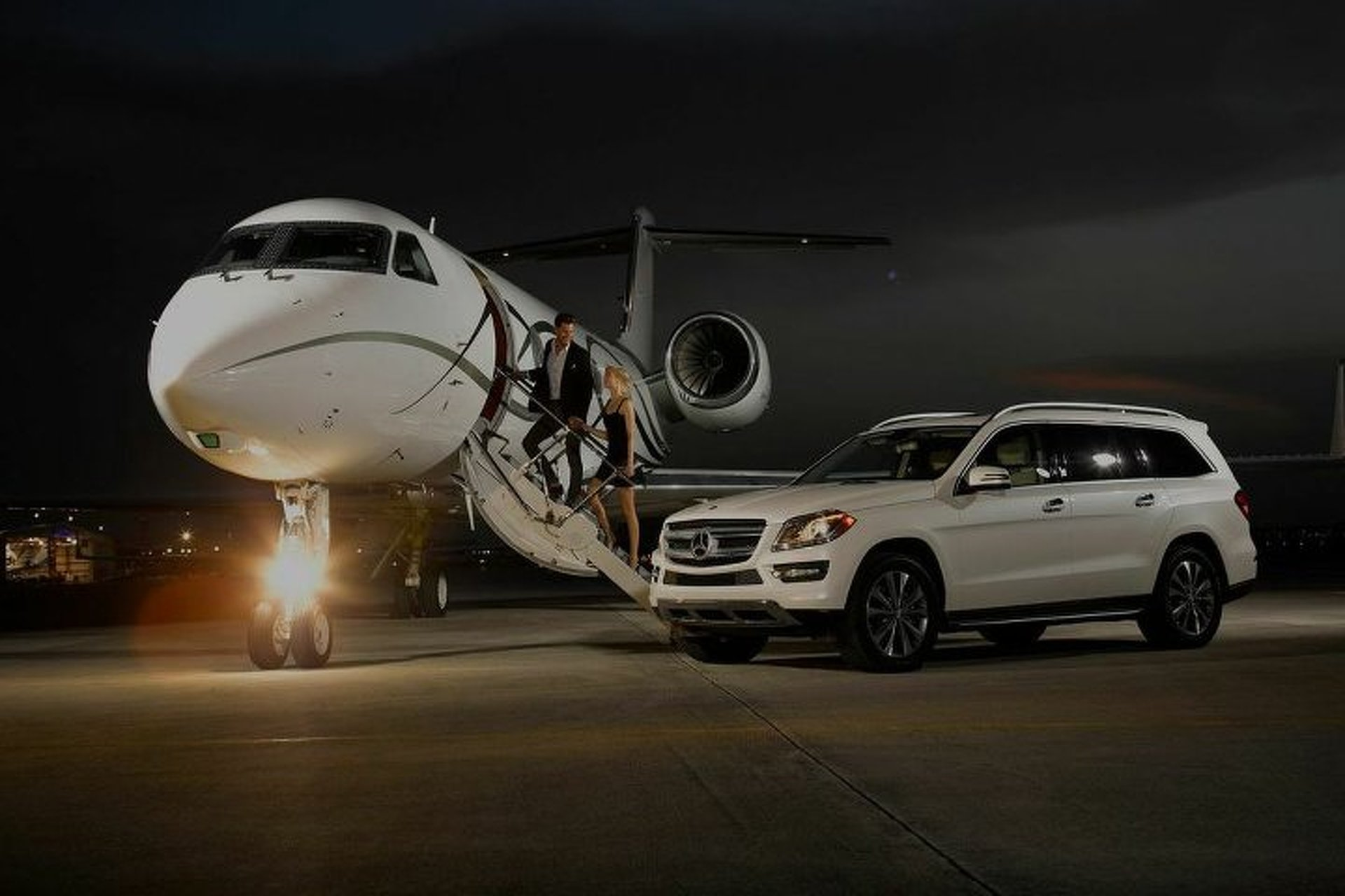 """""""Uber for Private Jets"""" Startup Raises $20M from Jay-Z, Saudi Royals"""
