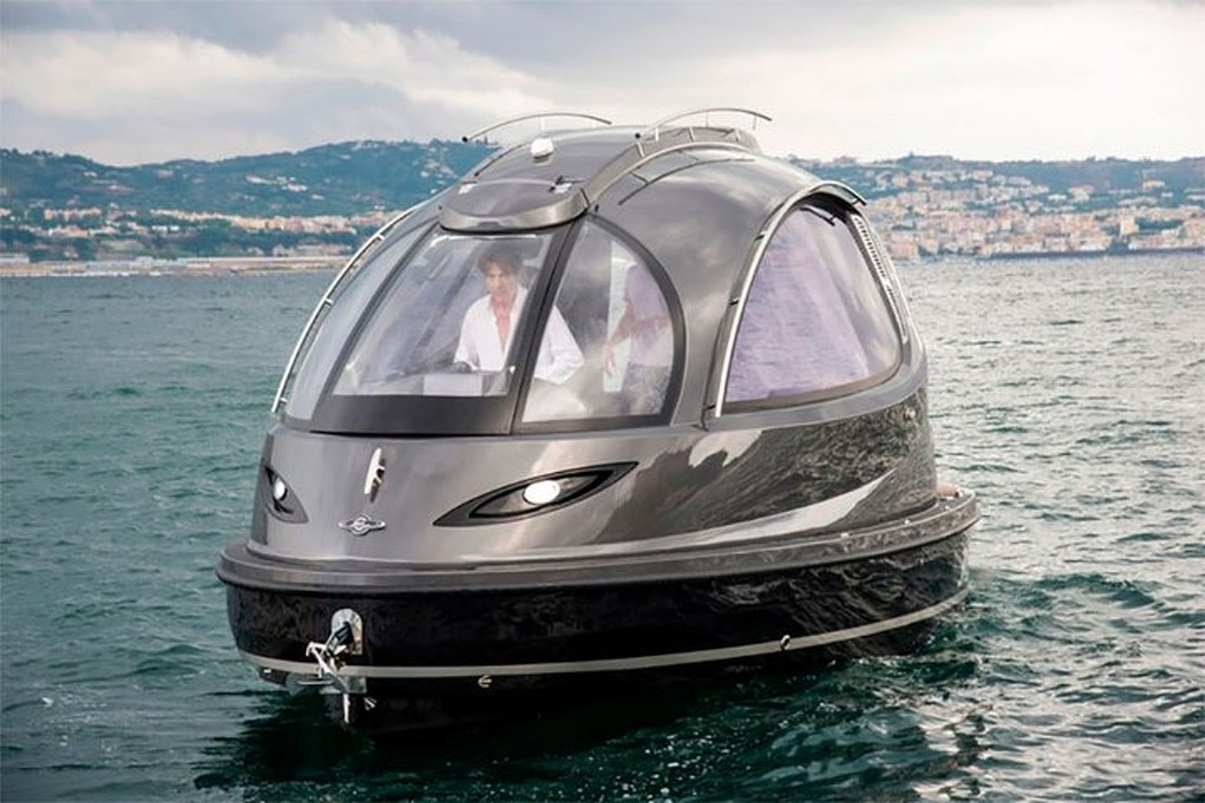 Jet Capsule Boat Features Underwater Cameras, Luxury Cabin