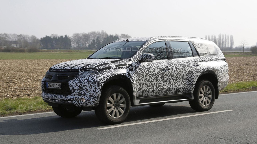 2016 Mitsubishi Pajero / Montero spied for the first time