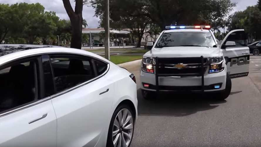 Driverless Tesla Model 3 Pulled Over By Police For Failure To Stop