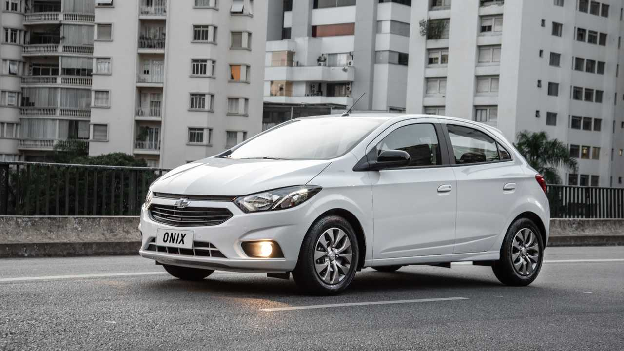 Frente do Traseira do Chevrolet Onix Joy 2020