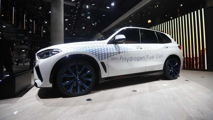 BMW si dirige (di nuovo) verso l'auto a idrogeno