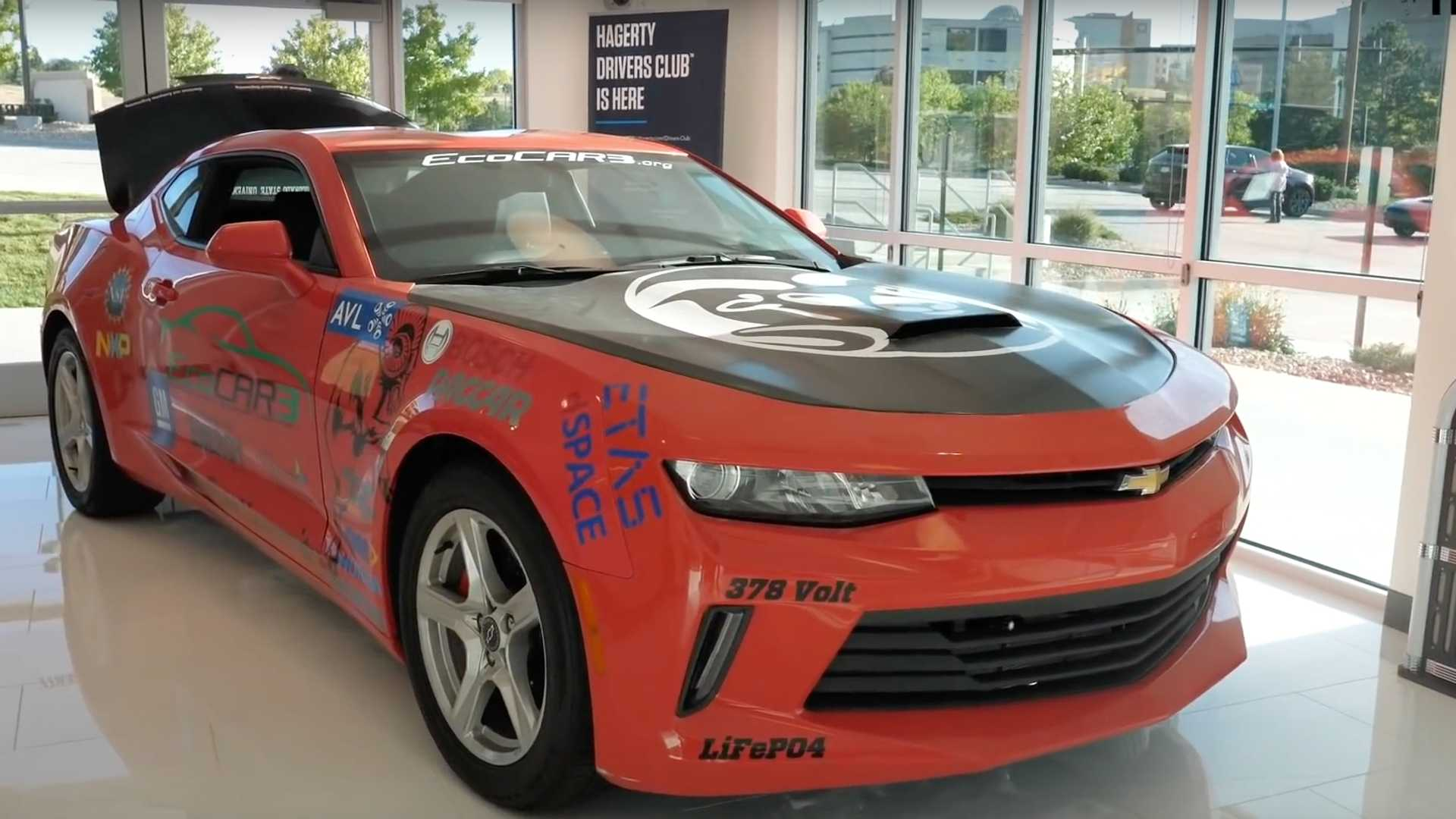 2016 Chevy Cars >> 2016 Chevy Camaro Becomes Hybrid Muscle Car Thanks To Students
