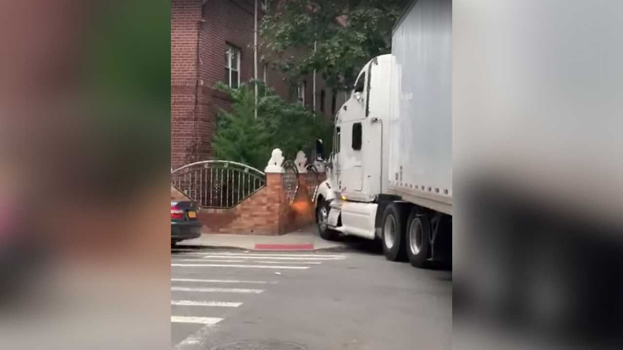 Semi Truck In Queens Lead Image
