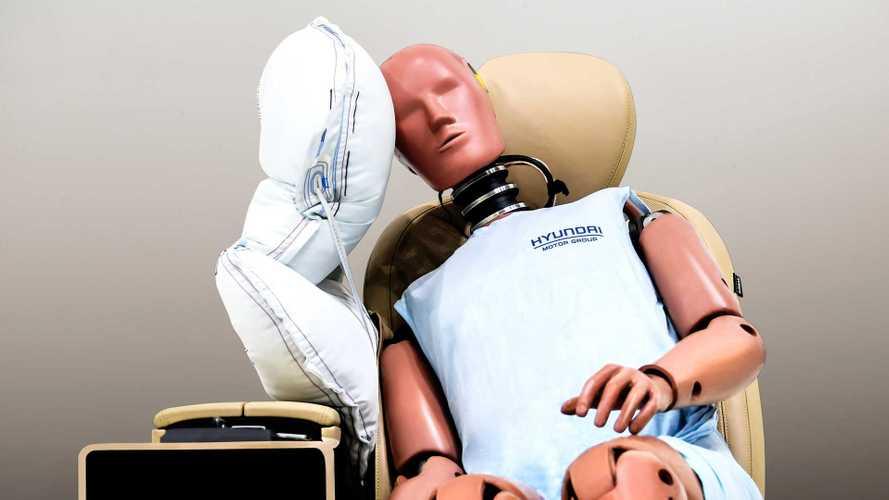 Zentraler Seitenairbag von Hyundai und Kia schützt vor Kopfverletzungen