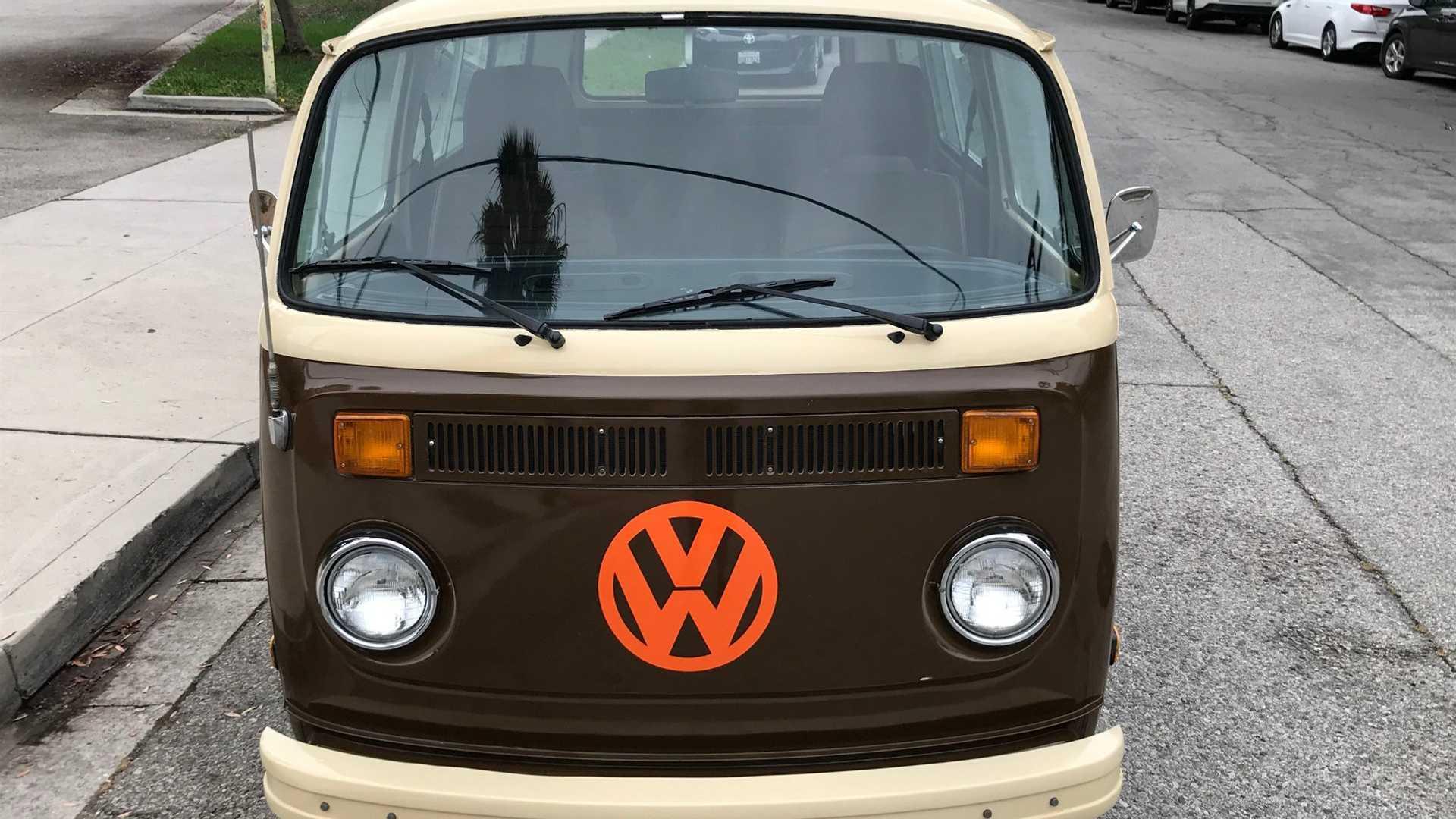 "[""Rack Up Some Groovy Miles In This 1978 Volkswagen Type 2""]"