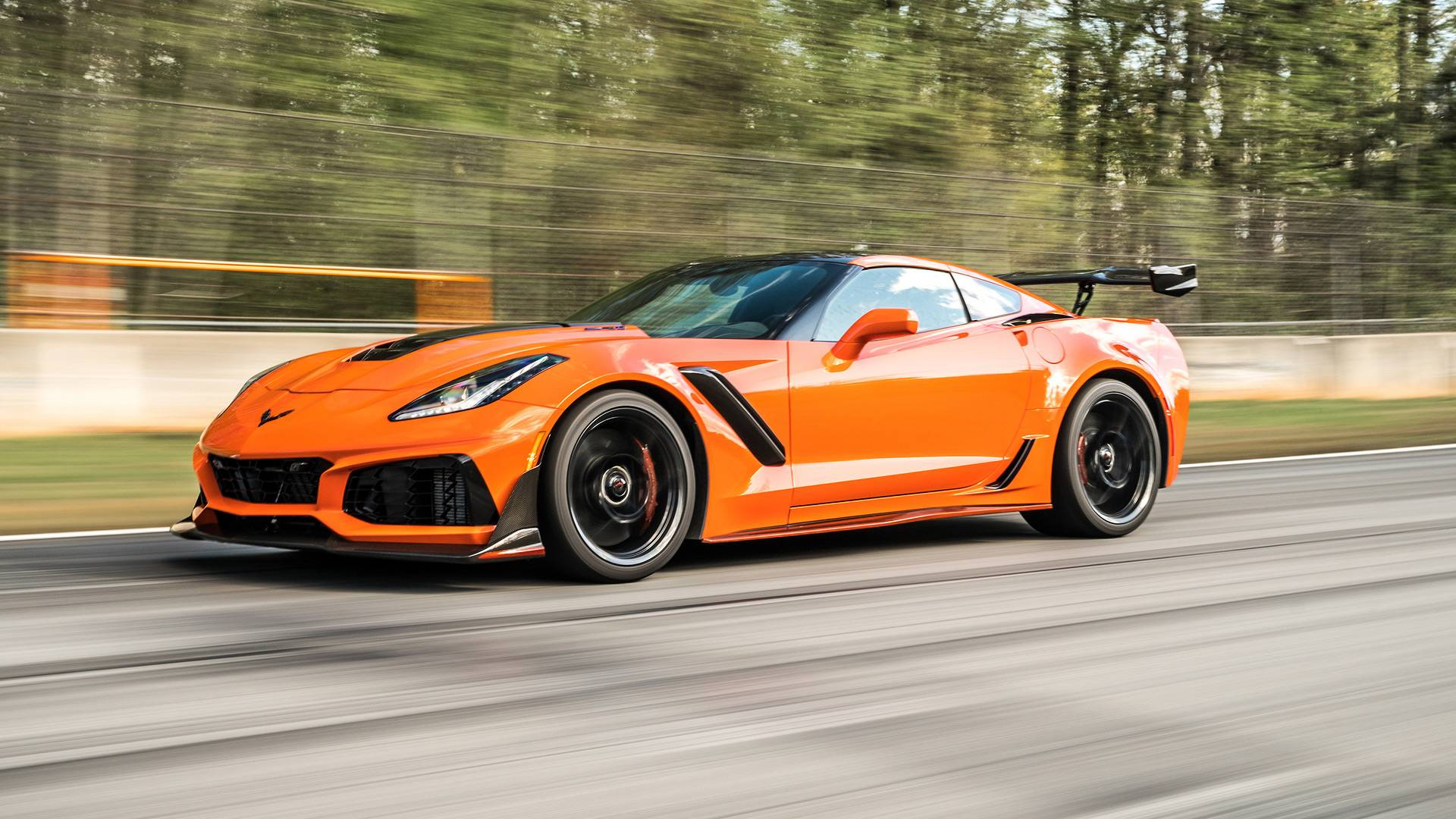 Ford GT Roll Races Corvette ZR1, The Result Might Surprise You