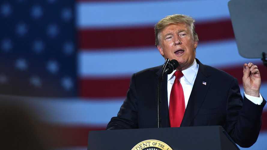 Guerra commerciale USA-Europa, dazi rimandati al 1° giugno 2018