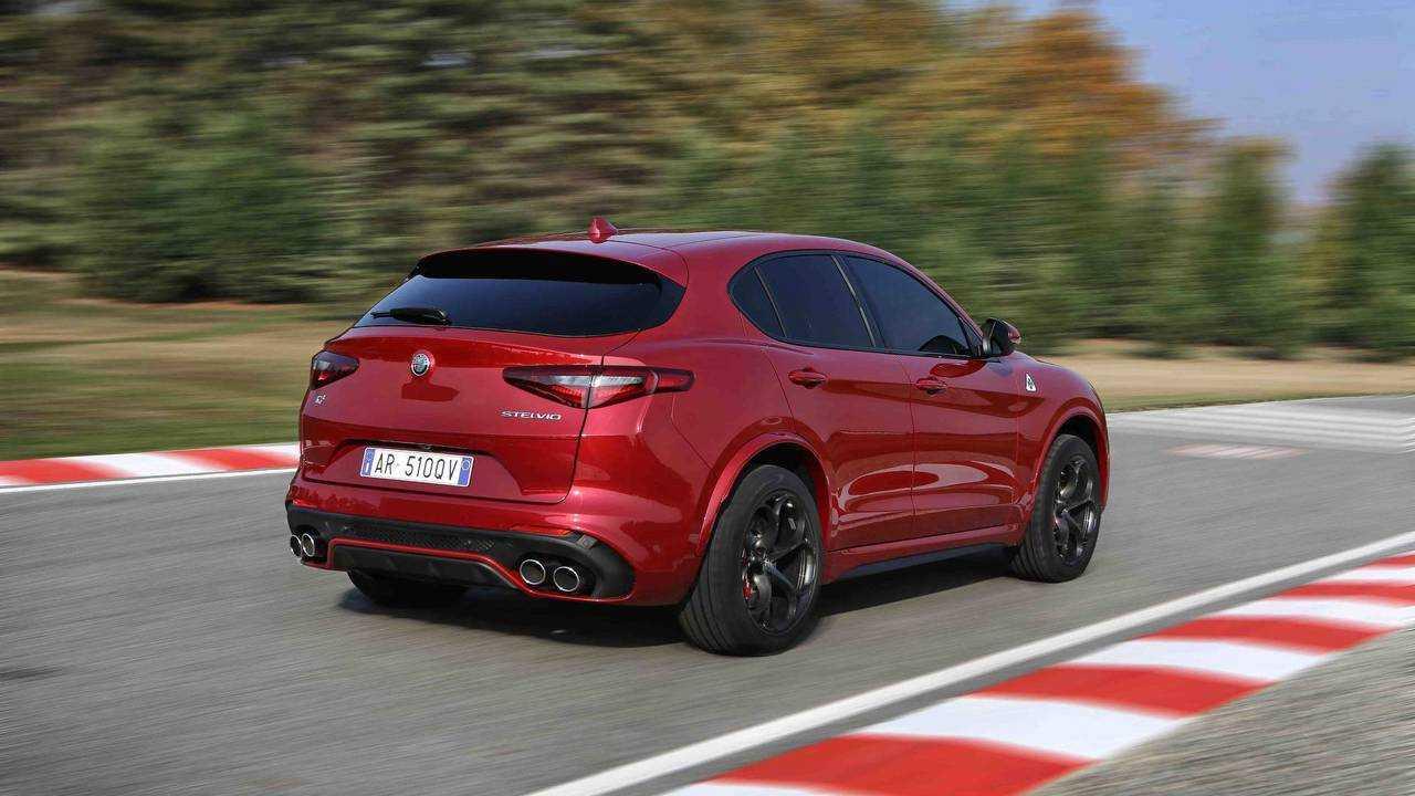 Alfa Romeo Stelvio Quadrifoglio - Ferrari