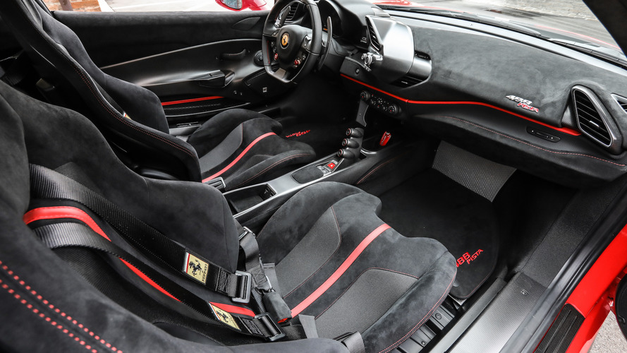 Ferrari 488 Pista, prova sul circuito di Fiorano
