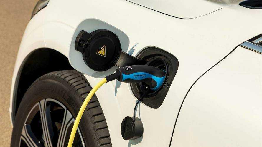 Auto ibride plug-in: accuse di emissioni superiori al dichiarato