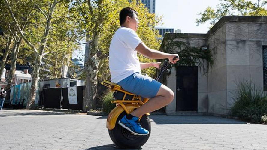 Say Hello to the Uno Bolt, a Self-Balancing Monowheeler