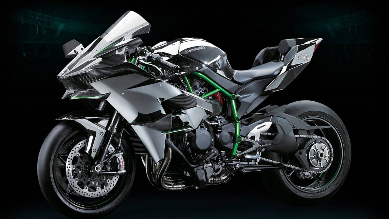 Watch the Monstrous 300-hp Kawasaki H2R Spit Flames on The Dyno