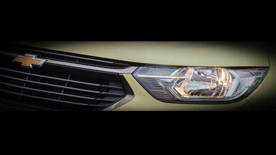 Nova Chevrolet Spin 2019 mostra grade e faróis em teaser