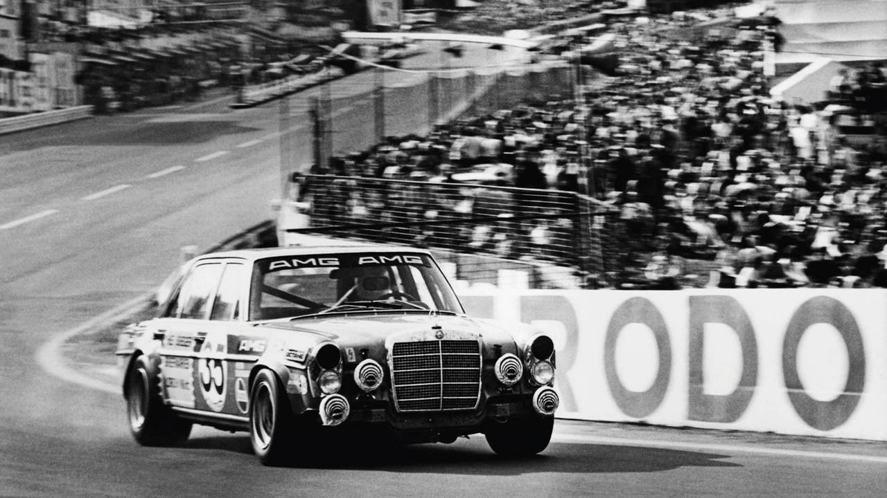 Exposition Mercedes pour les 50 ans d'AMG