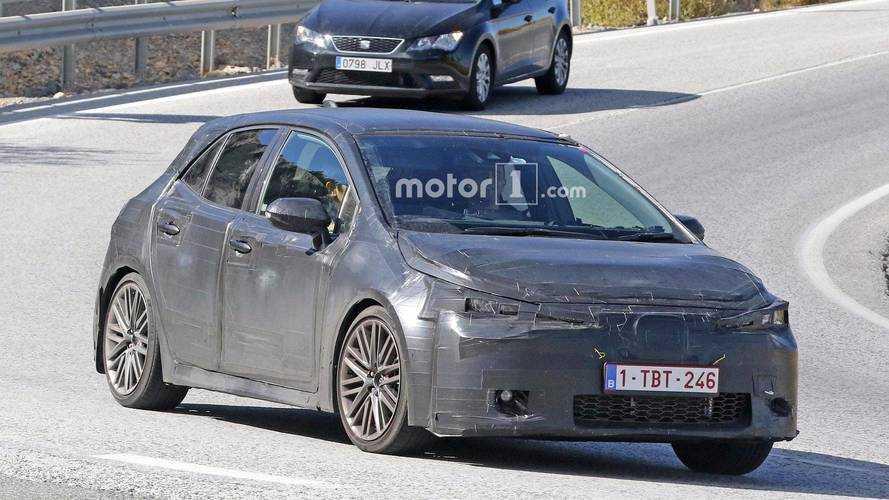 Toyota yeni nesil Auris'i test ederken görüntülendi