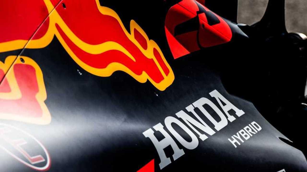 Honda Hybrid branding on an engine cover