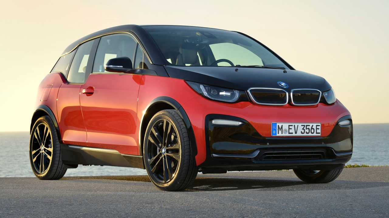 BMW Won't Force Shoppers Into Electrification
