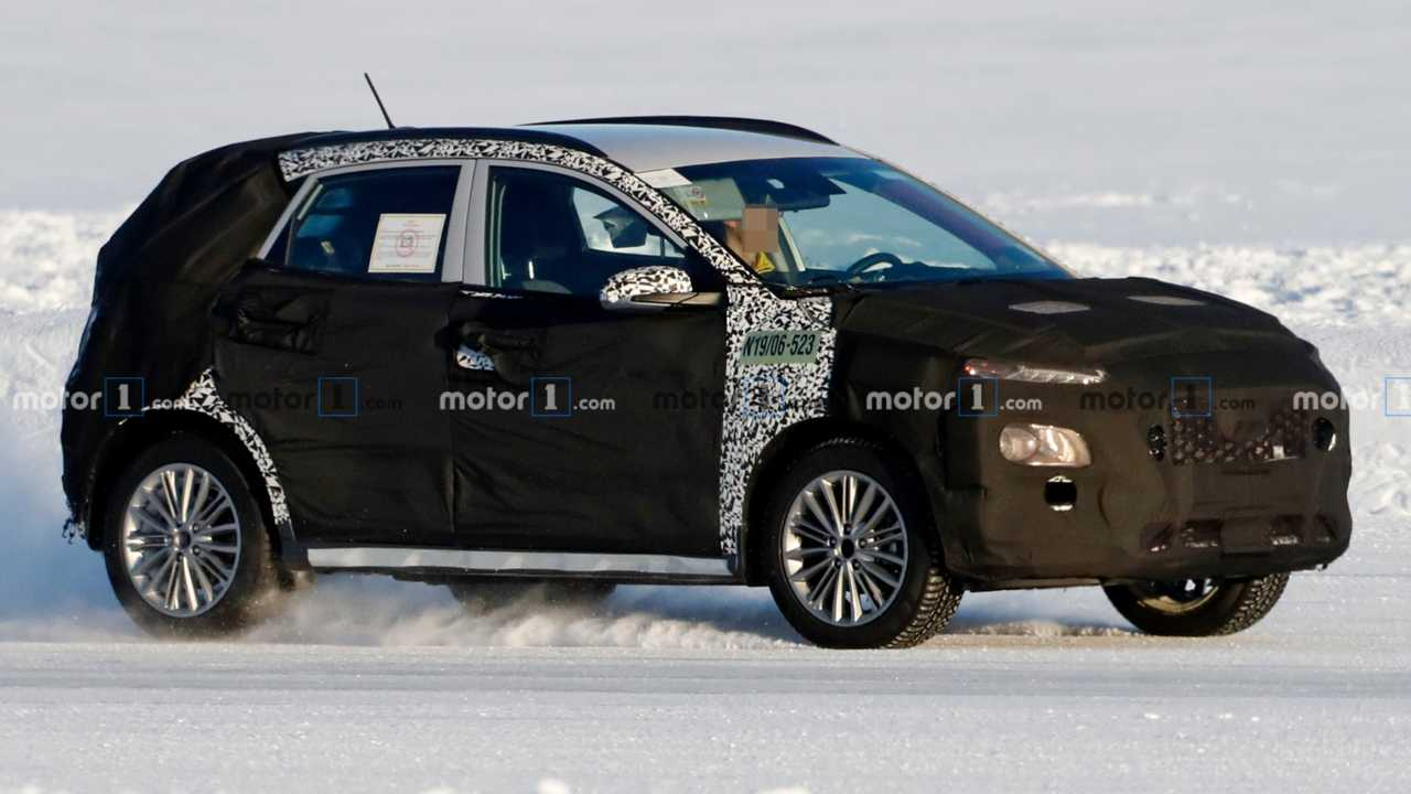Hyundai Kona facelift spy photo lead image