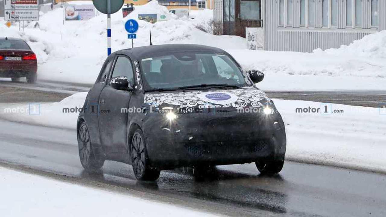 Fiat 500e Hatchback spia foto